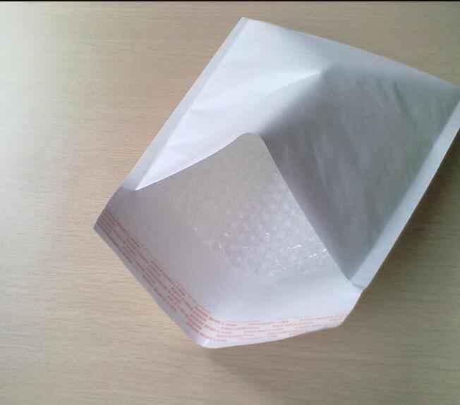 Envelope branco bolha pequeno