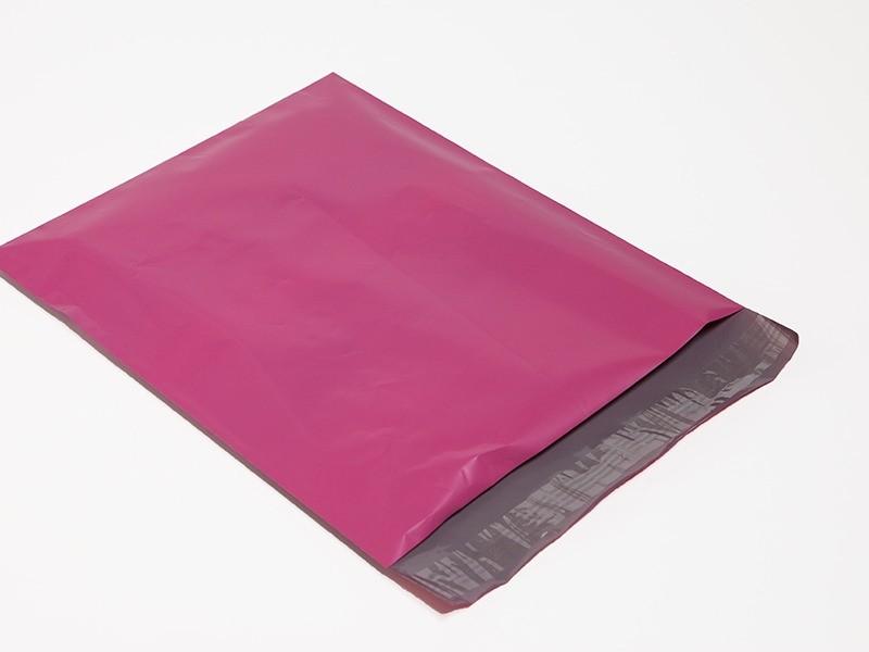 Envelope de plástico com aba adesiva