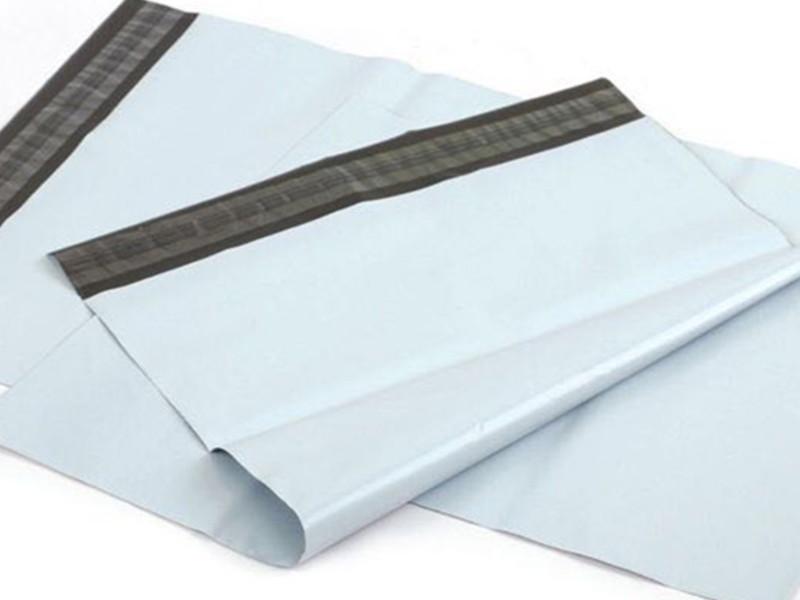 Envelope de plástico correio