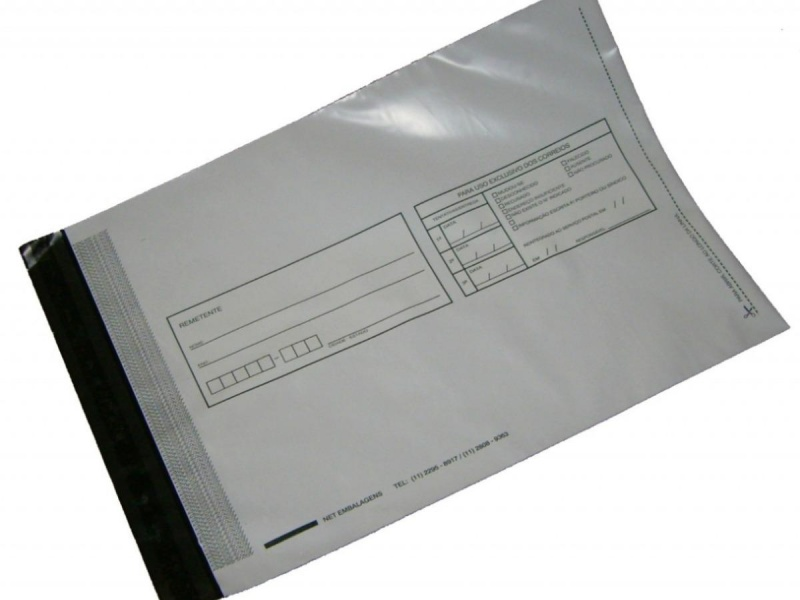 Envelope de segurança com adesivo vermelho