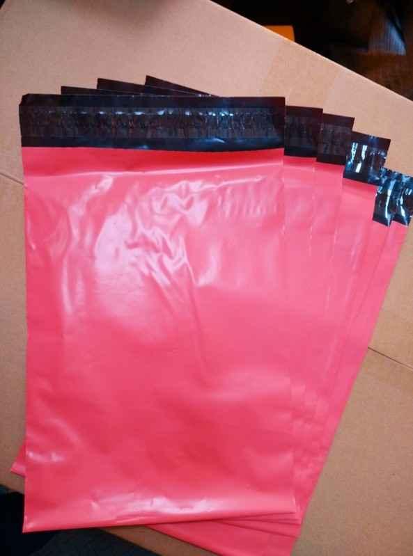 Envelope plástico com adesivos personalizado