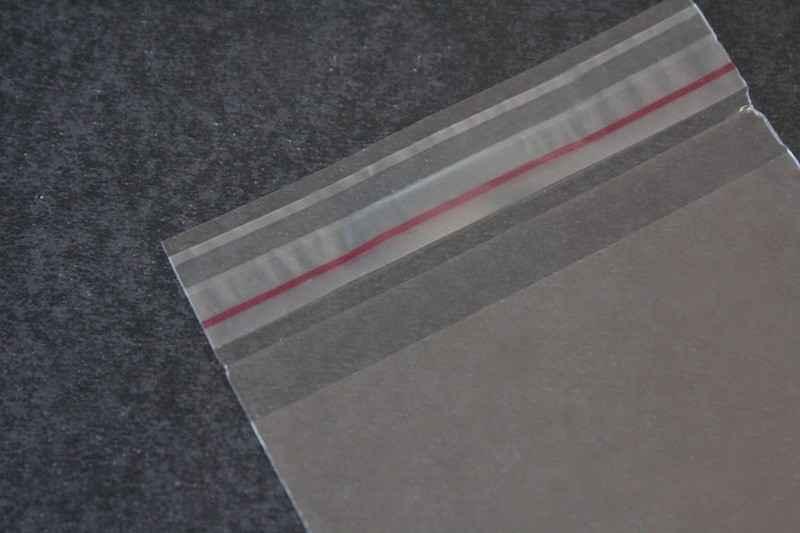 Envelope plástico com fita autocolante personalizado