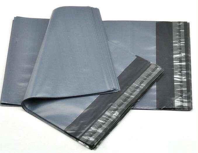 Envelope plástico comercial com aba adesiva